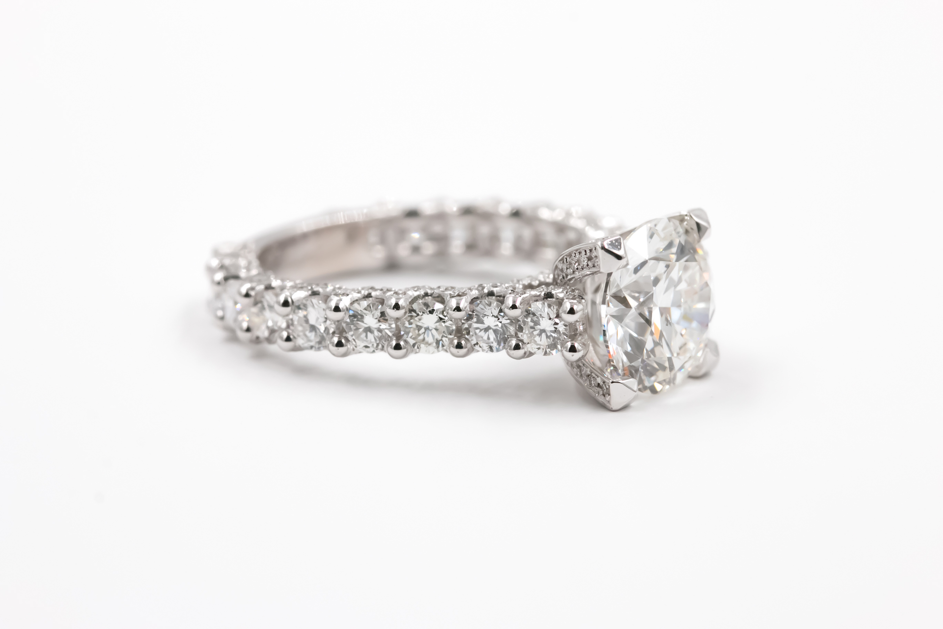 diamond-engagement-ring-solitaire-2