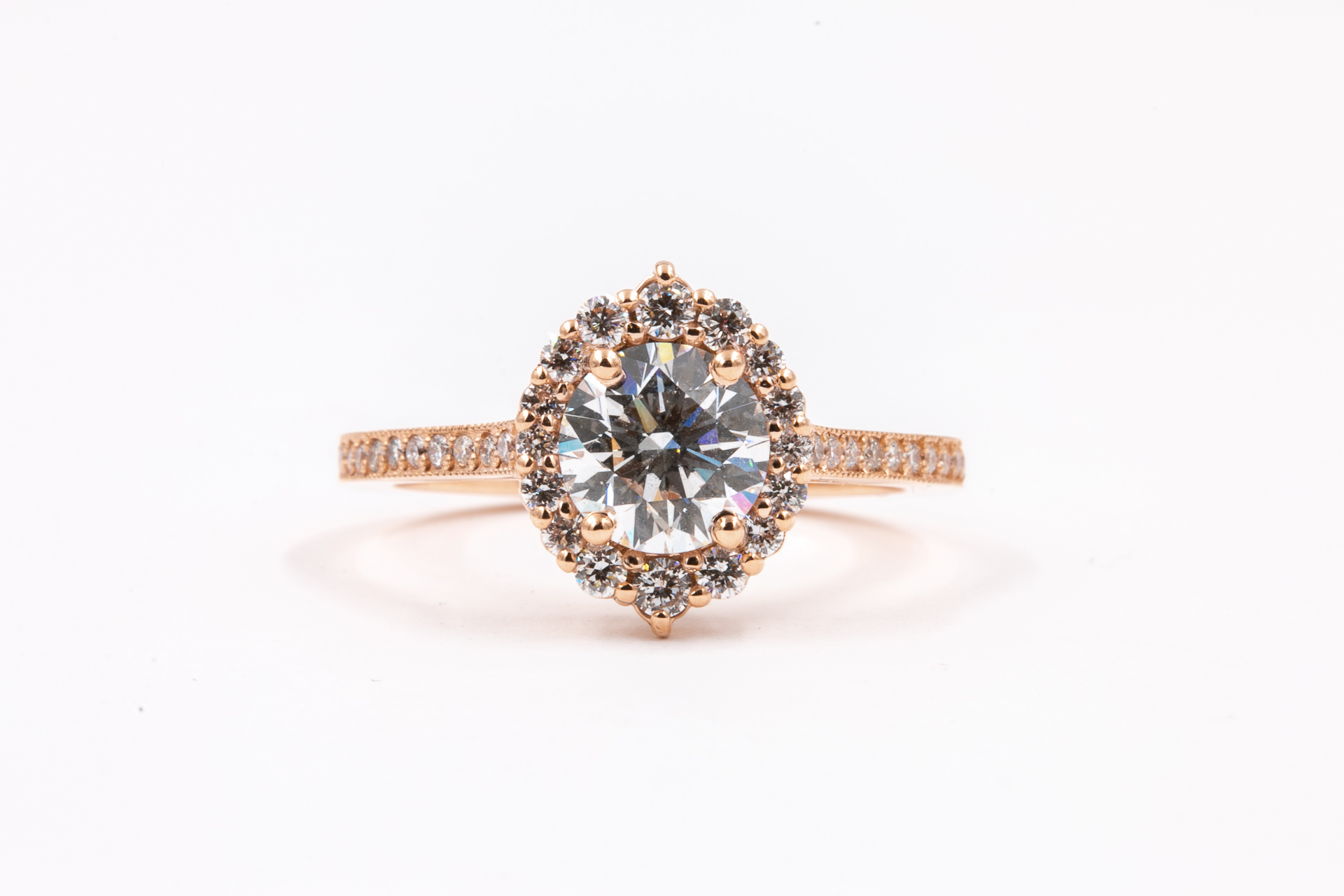 credenza-halo-engagement-ring-
