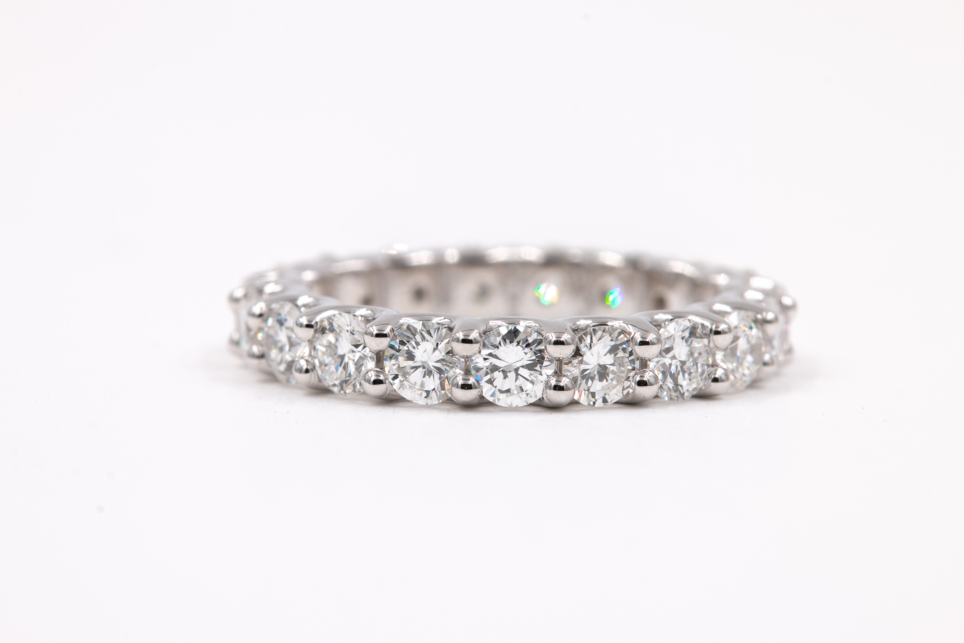 diamond-jewelry-eternity-band-