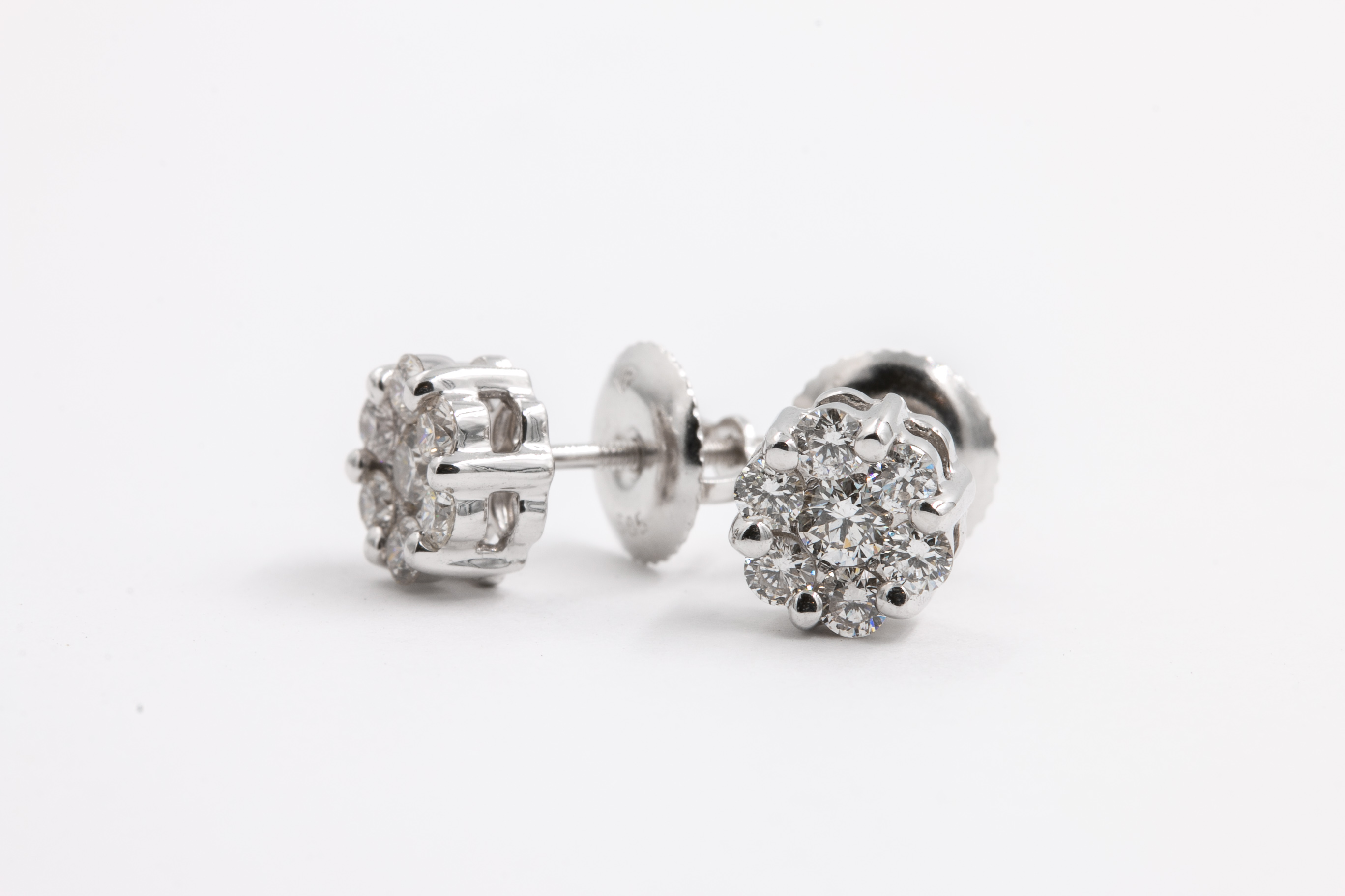 diamond-studs-jeweler-2