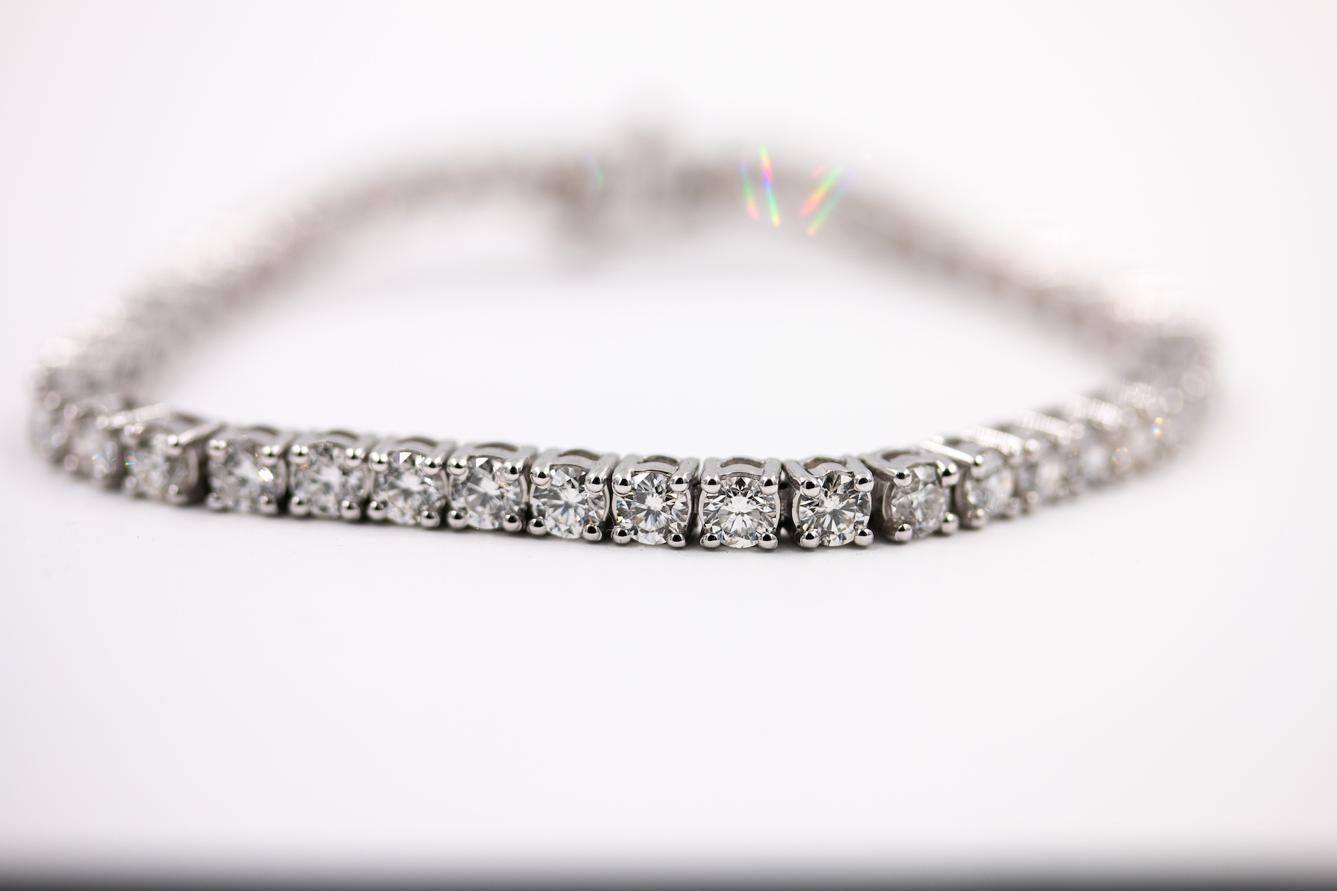 diamond-tennis-braclet-carats-jewelry-store-