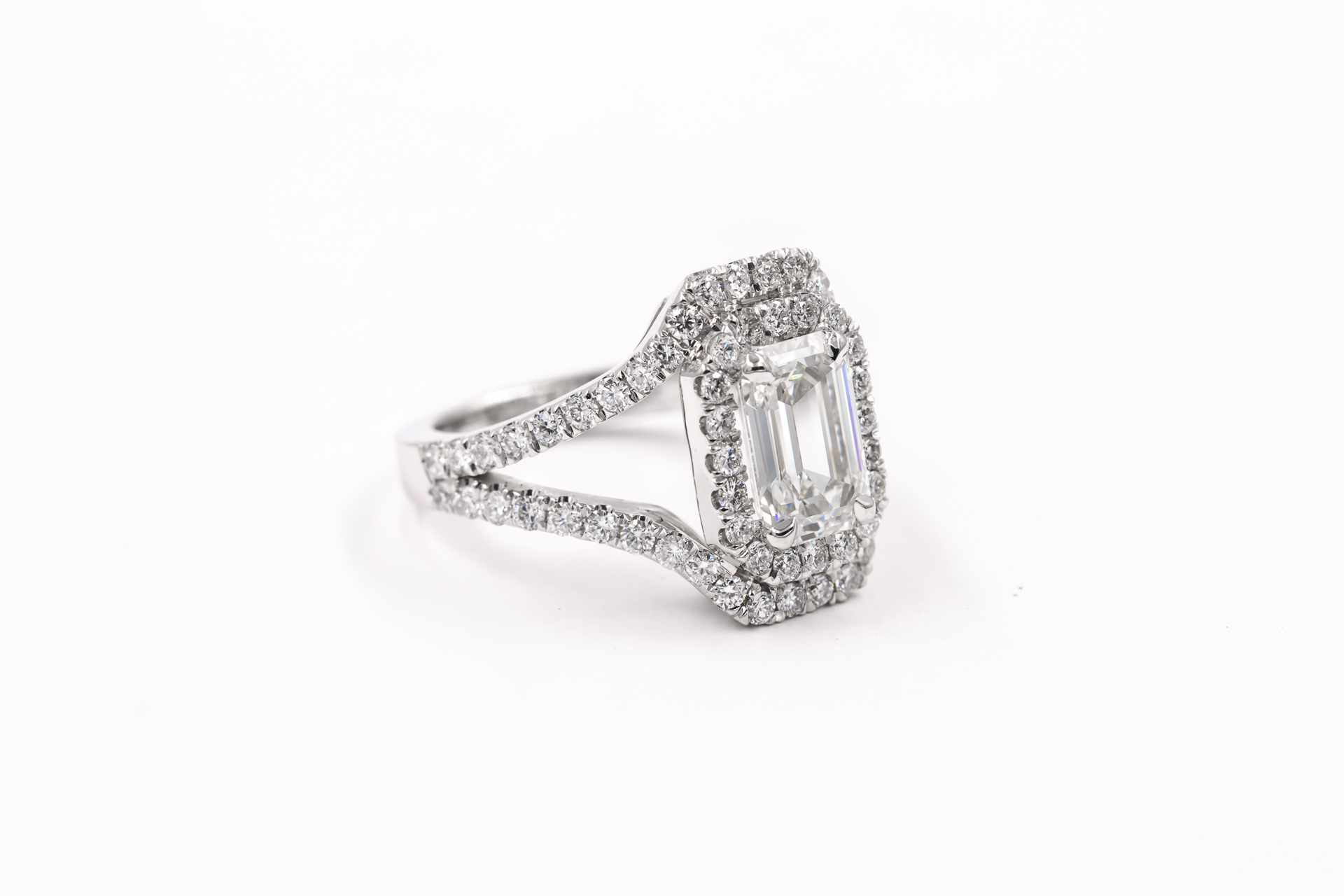 emerald-cut-engagement-ring-4