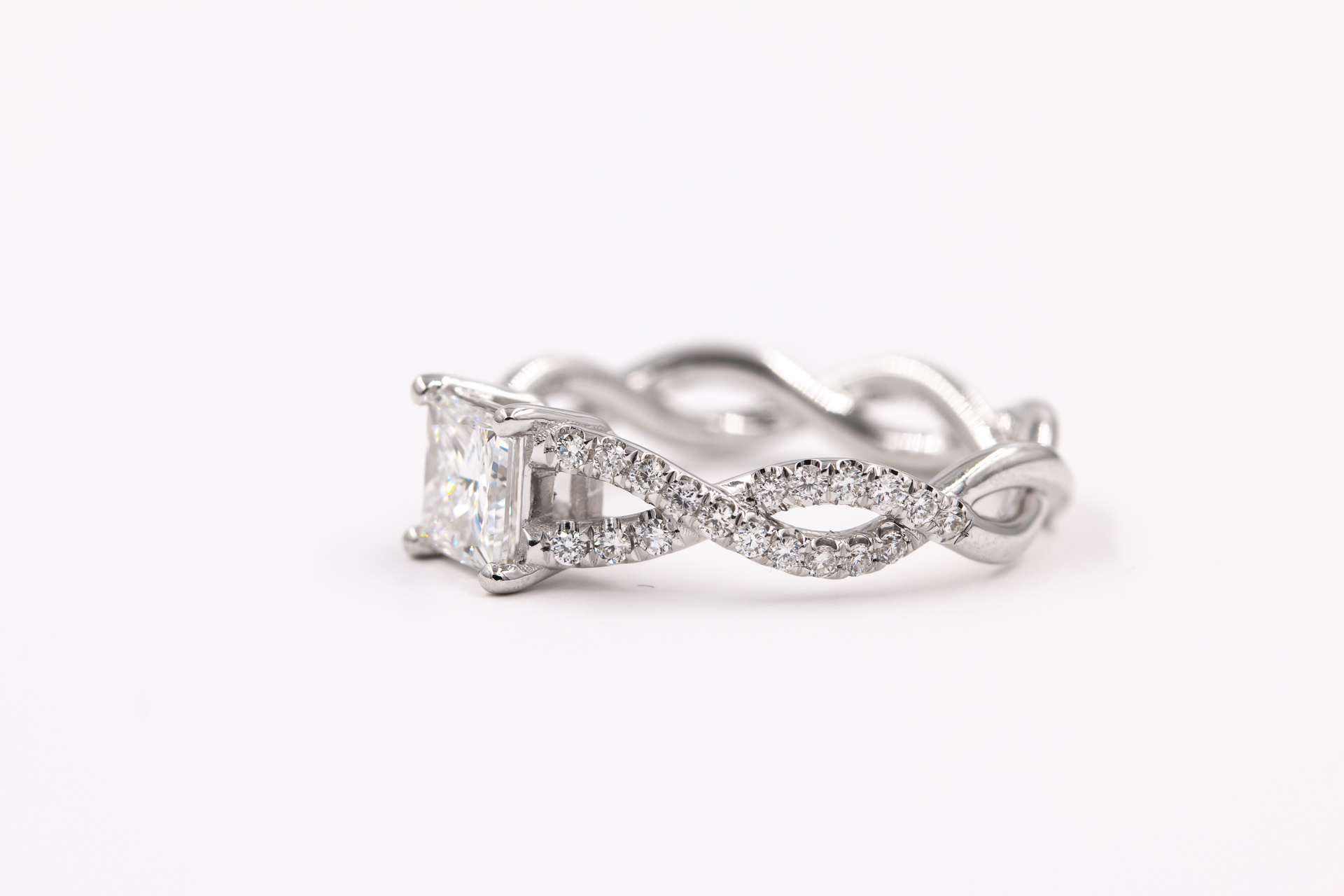 infinite-band-engagement-ring-2