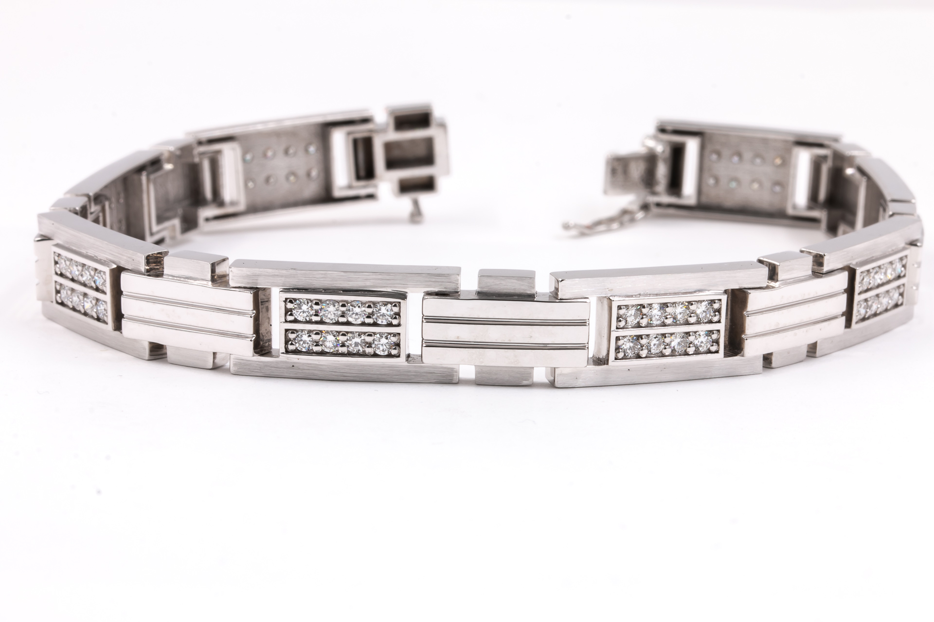 mens-white-gold-diamond-bracelet-