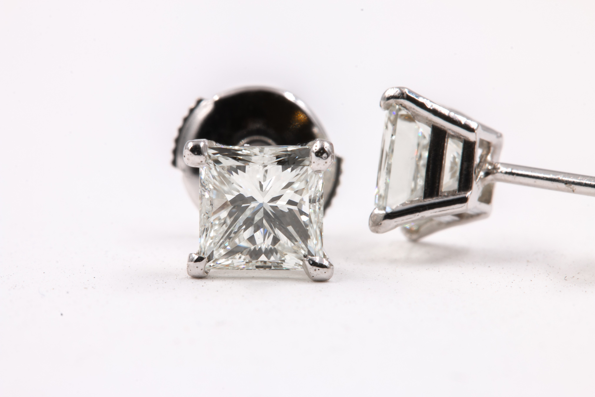 princess-cut-diamond-studs-2