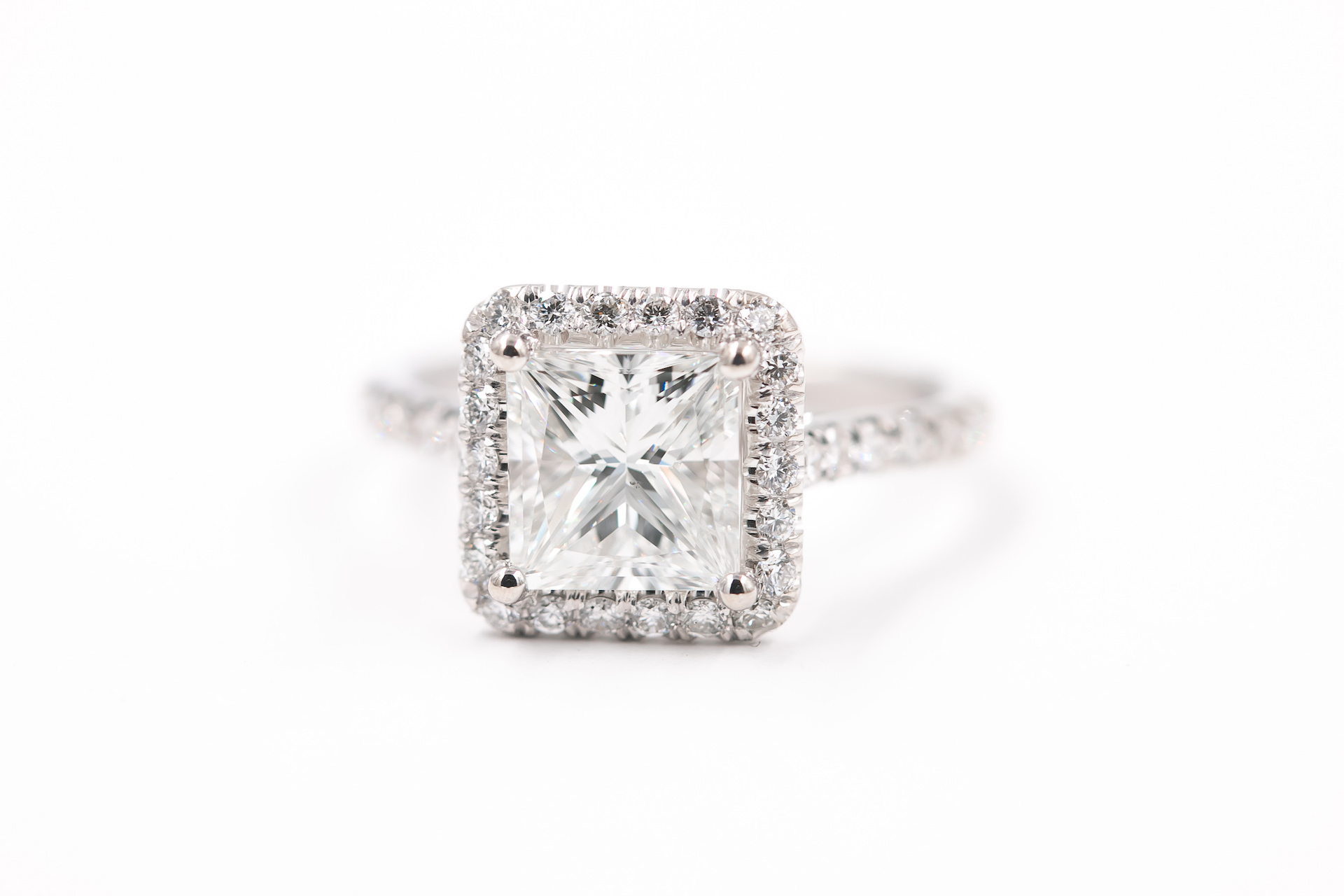 princess-cut-halo-engagement-wedding-