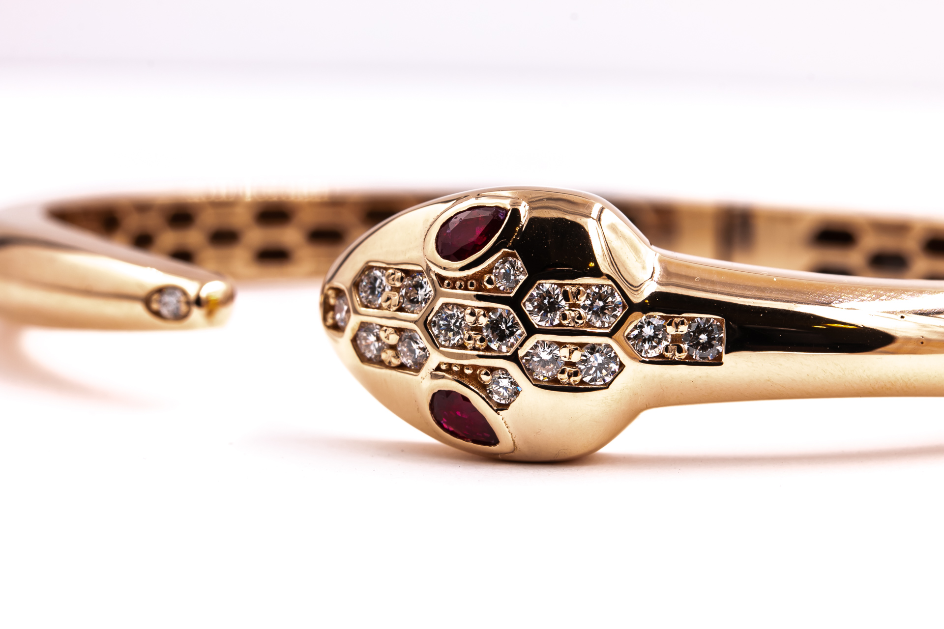 ruby-diamond-snake-bracelet-jewelry-2