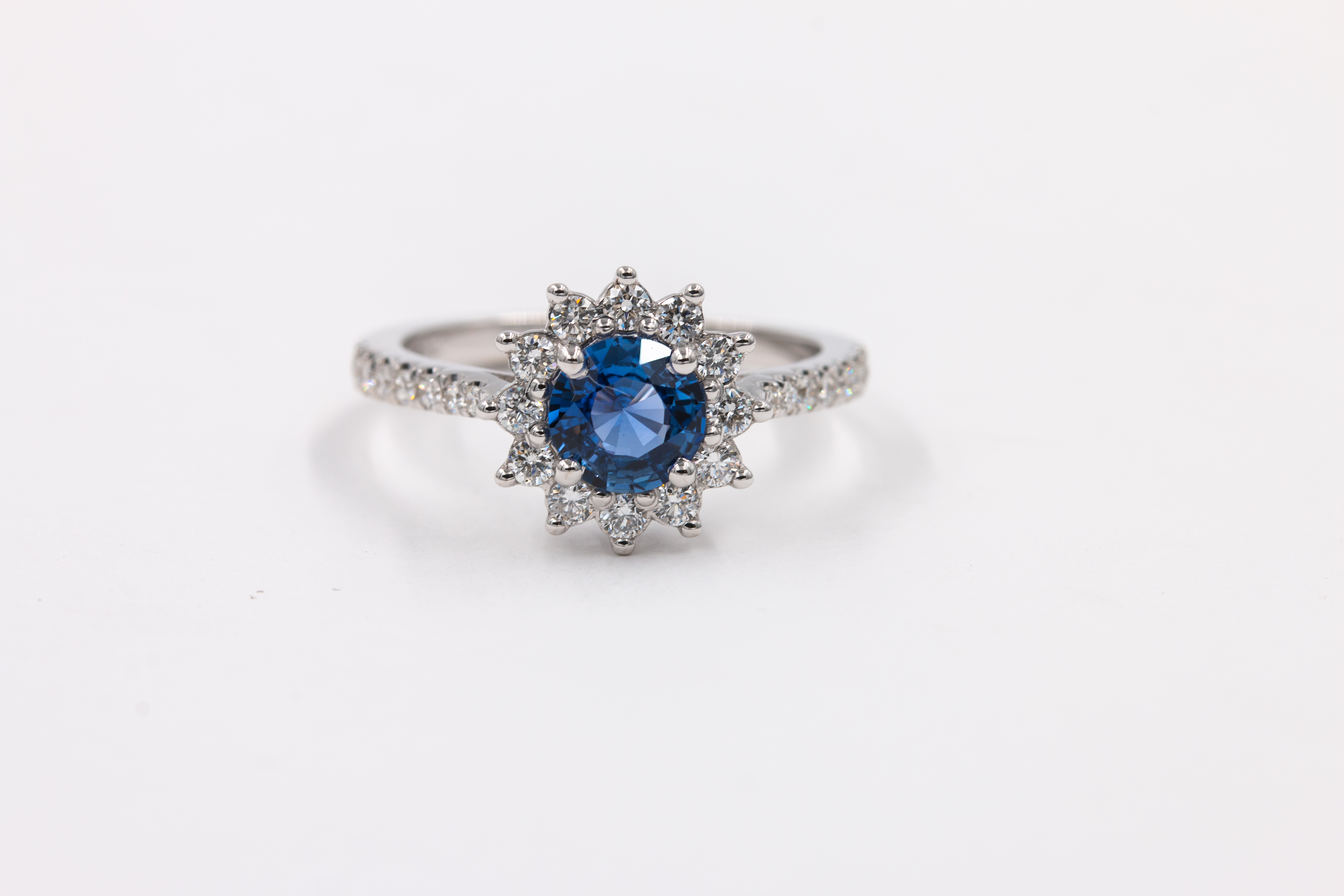 sapphire-engagement-ring-blue-