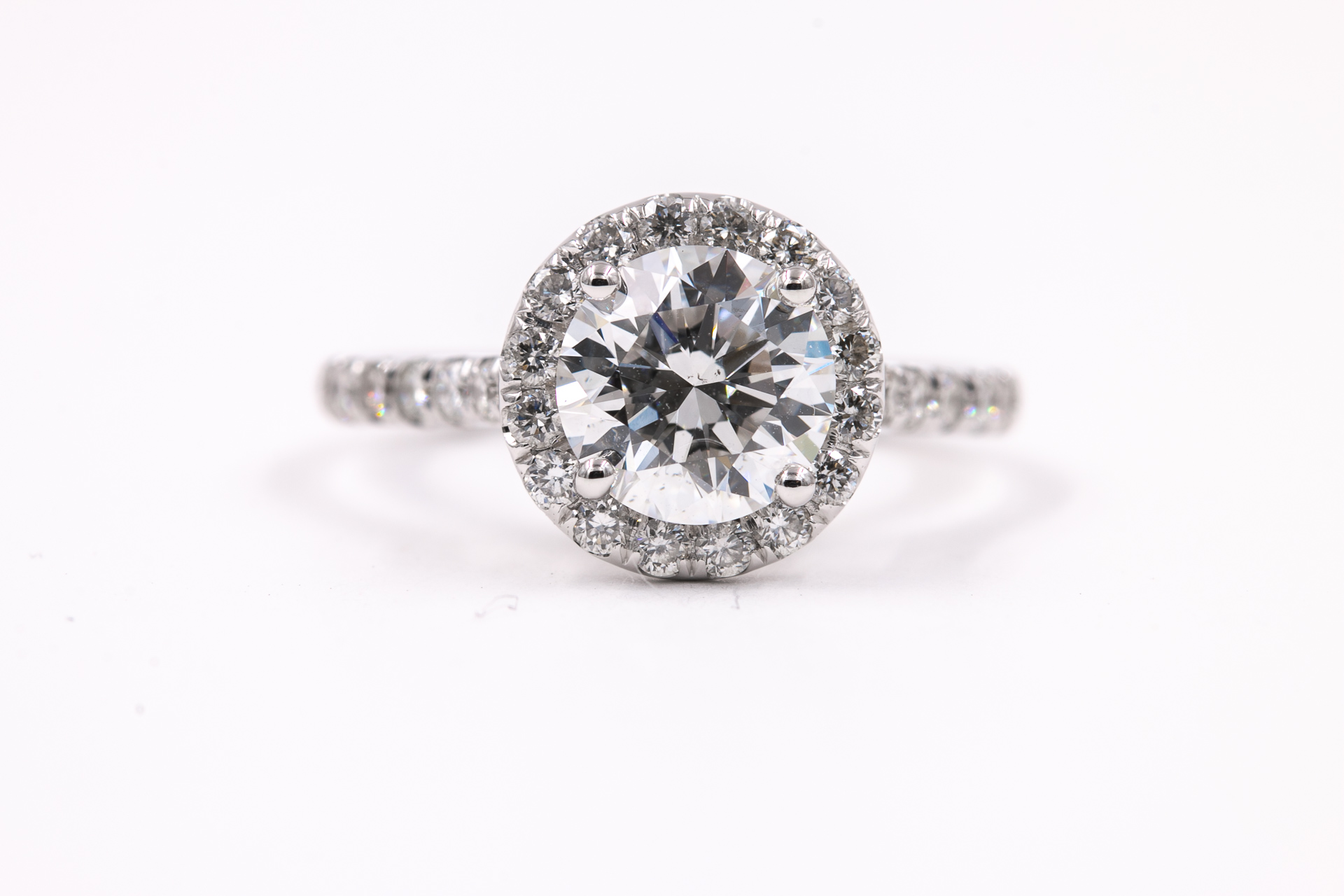 solitaire-halo-round-engagement-ring-diamonds-3