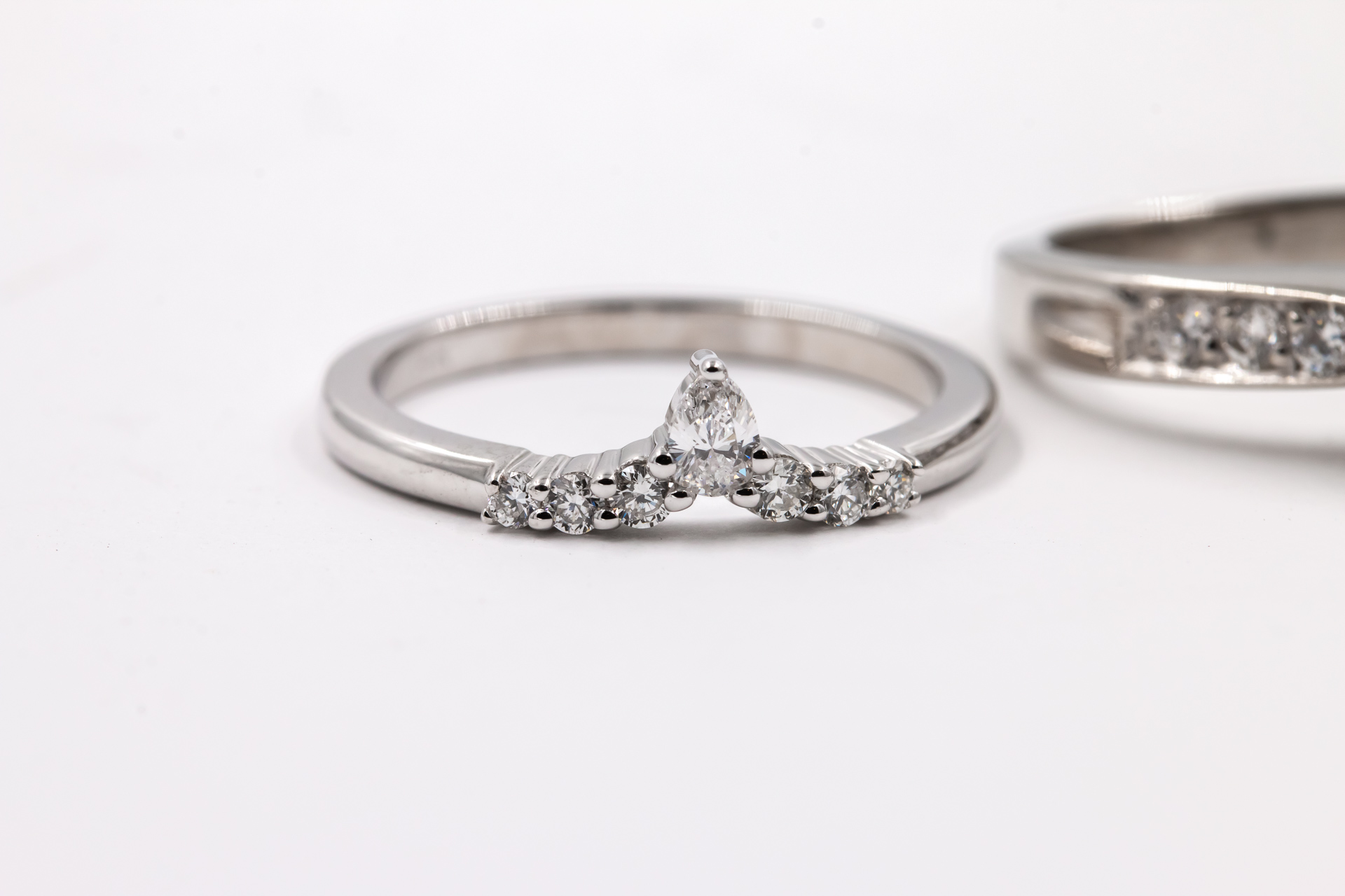 wedding-band-diamonds-ring-2