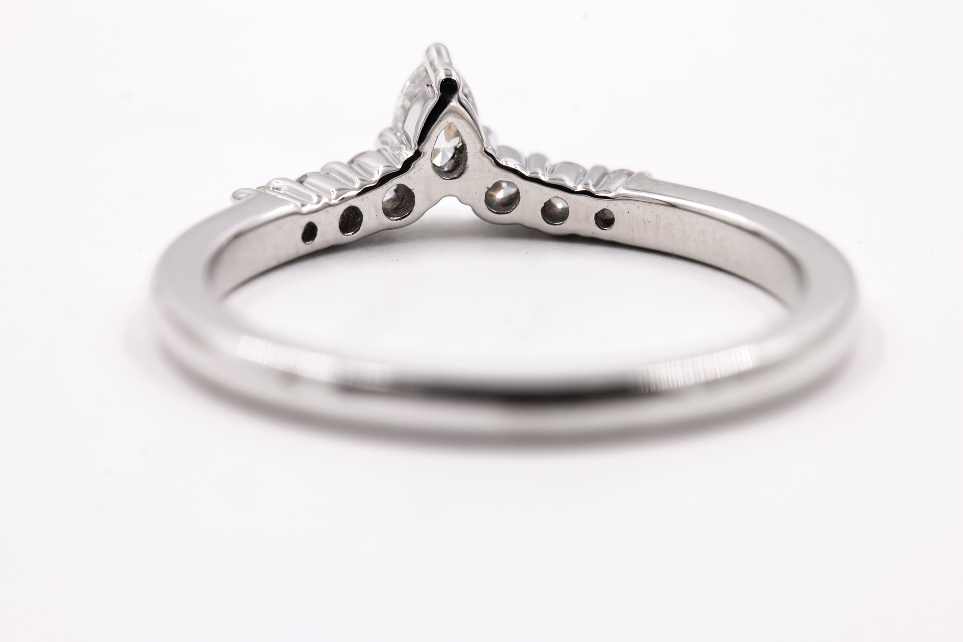 wedding-band-diamonds-ring-3