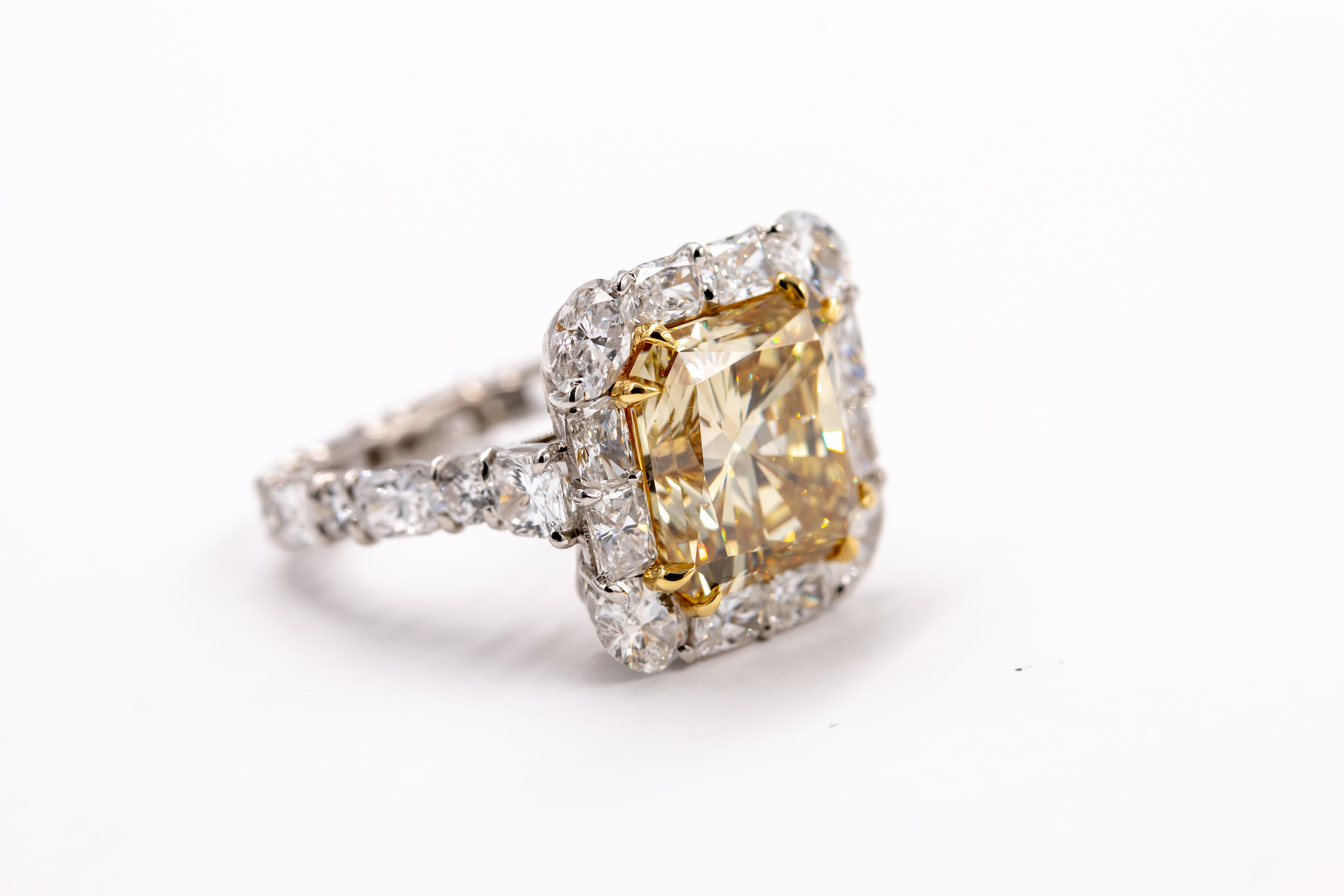 yellow-diamond-gold-ring-2