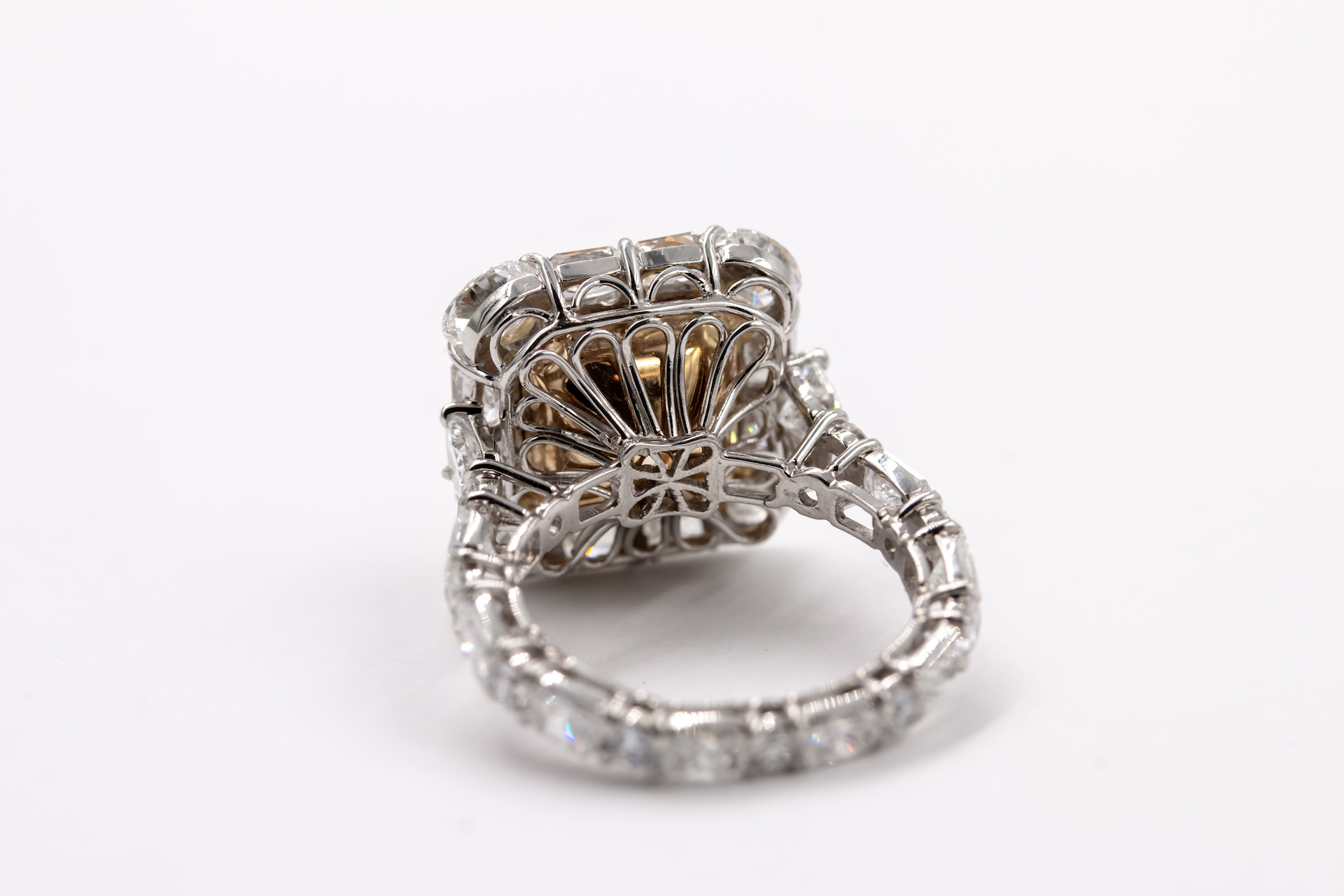 yellow-diamond-gold-ring-3