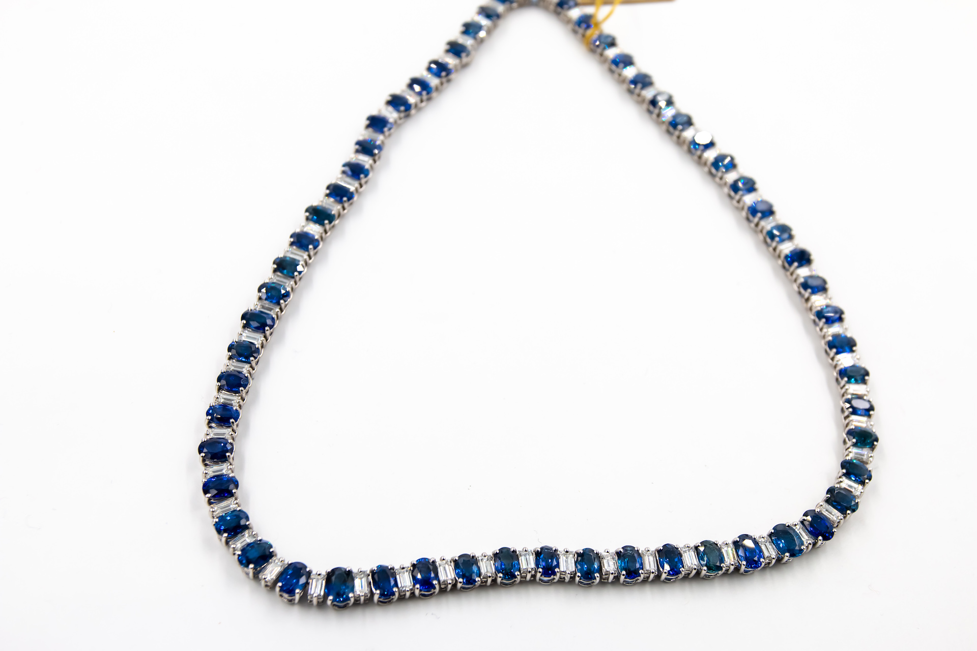 blue-sapphire-diamond-necklace-