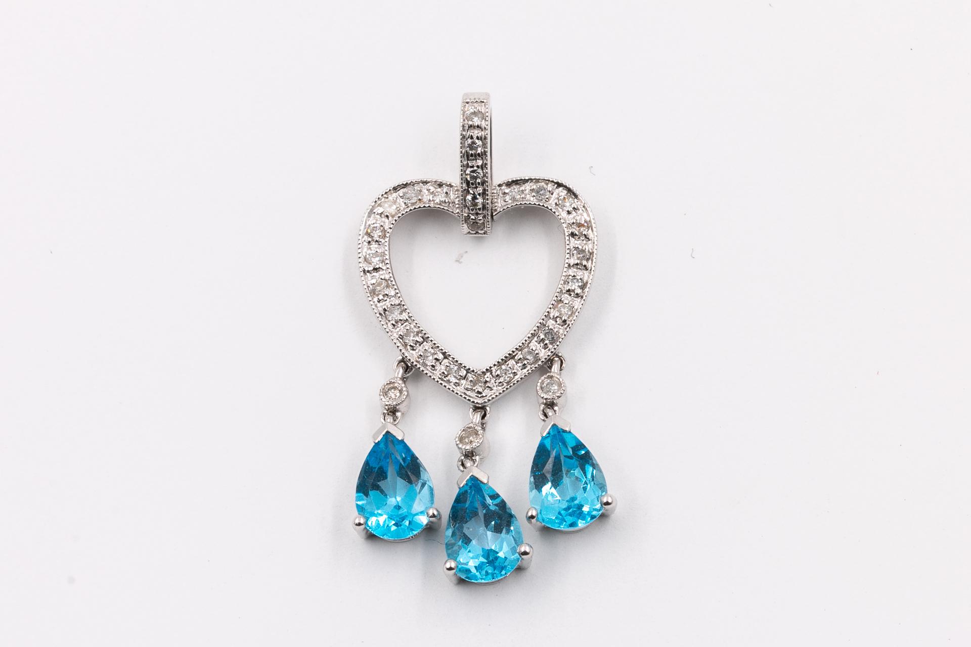 gemstone-necklace-aquamarine